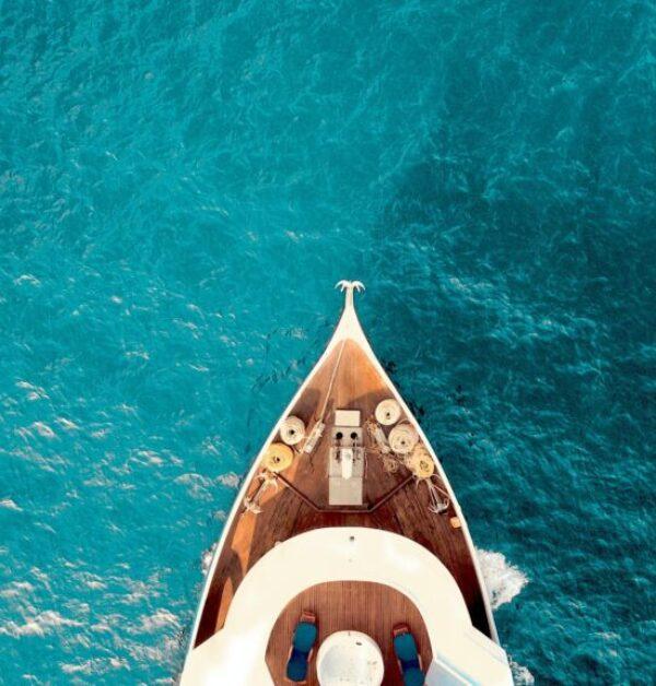 00yacht charter-min