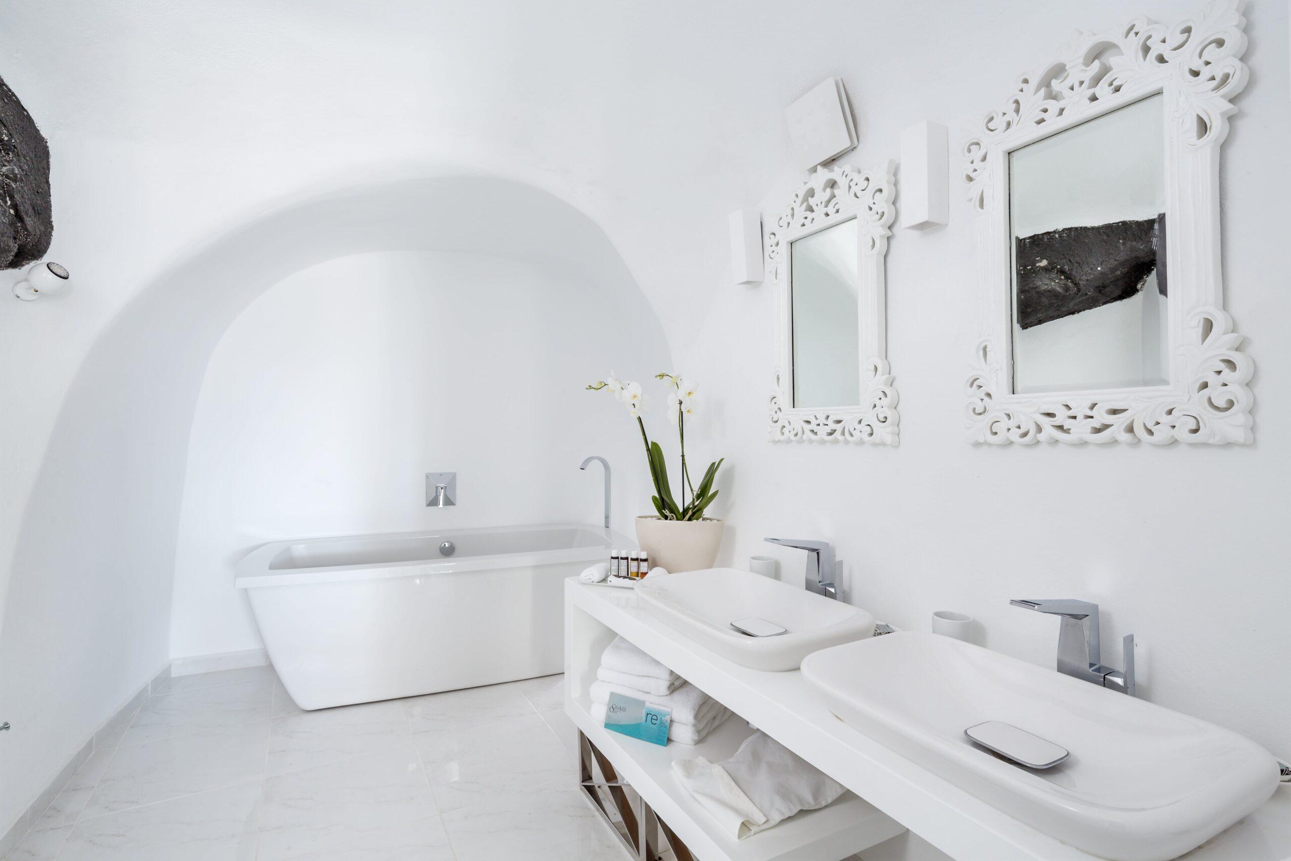 Canaves Oia Villa 14-min