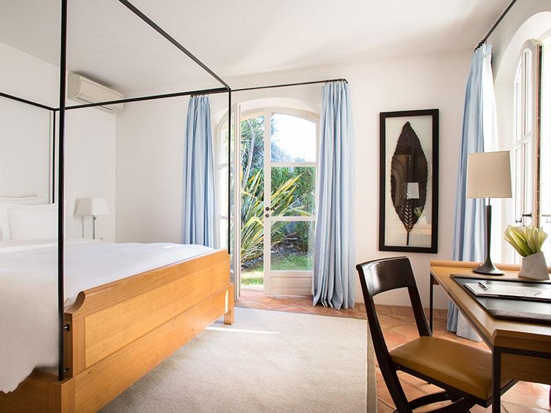Villa-4-La-Reserve-Ramatuelle-Room-3-min
