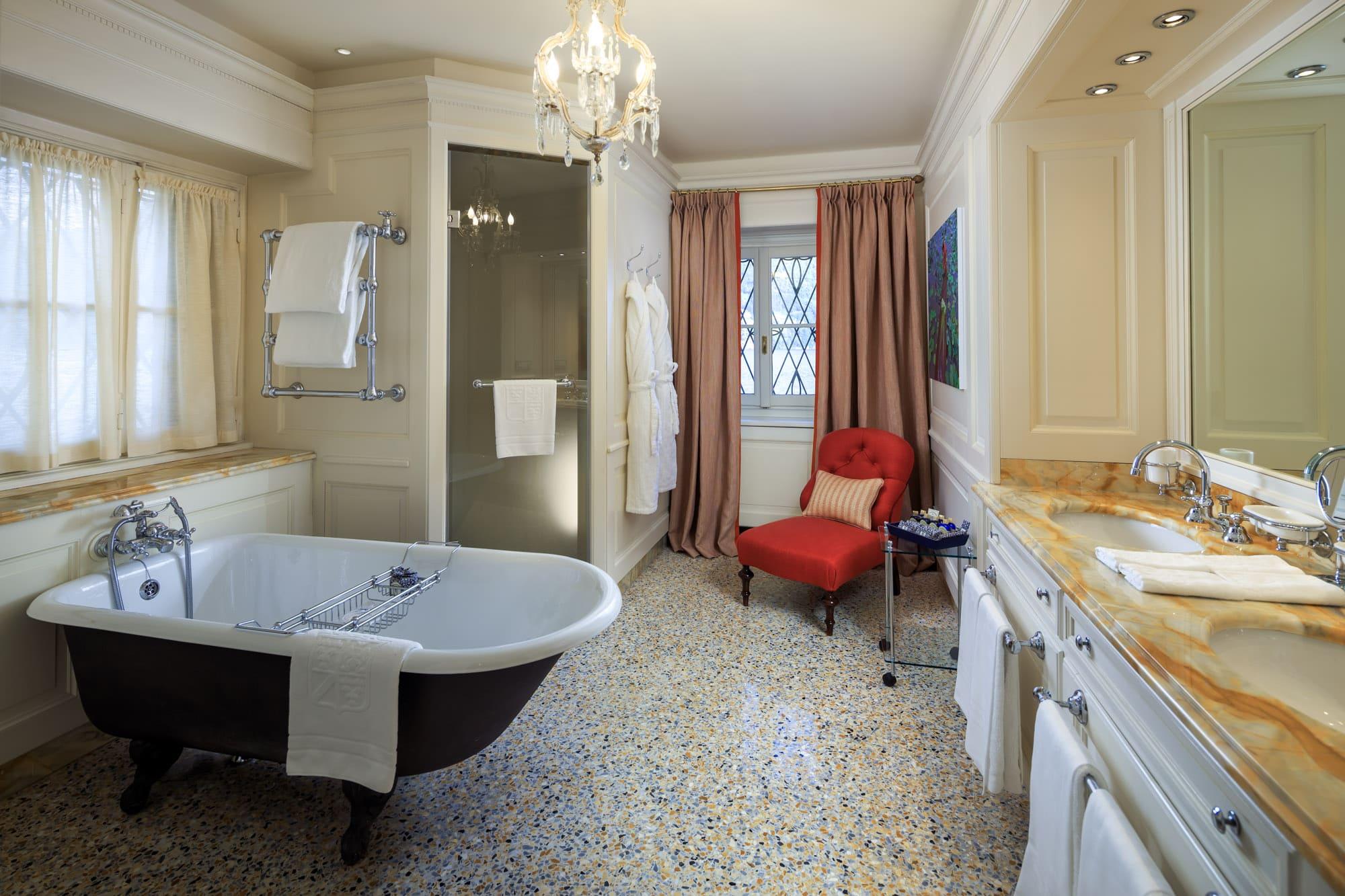 Villa Cima - Ground floor - Double Room, bathroom