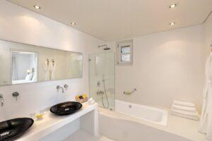 Villa Coral 243 Bathroom-min