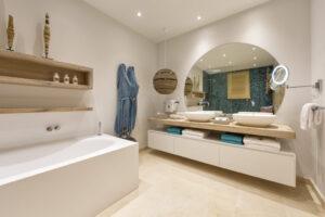 Villa Hibiscus - Big Bedroom bathroom (2)