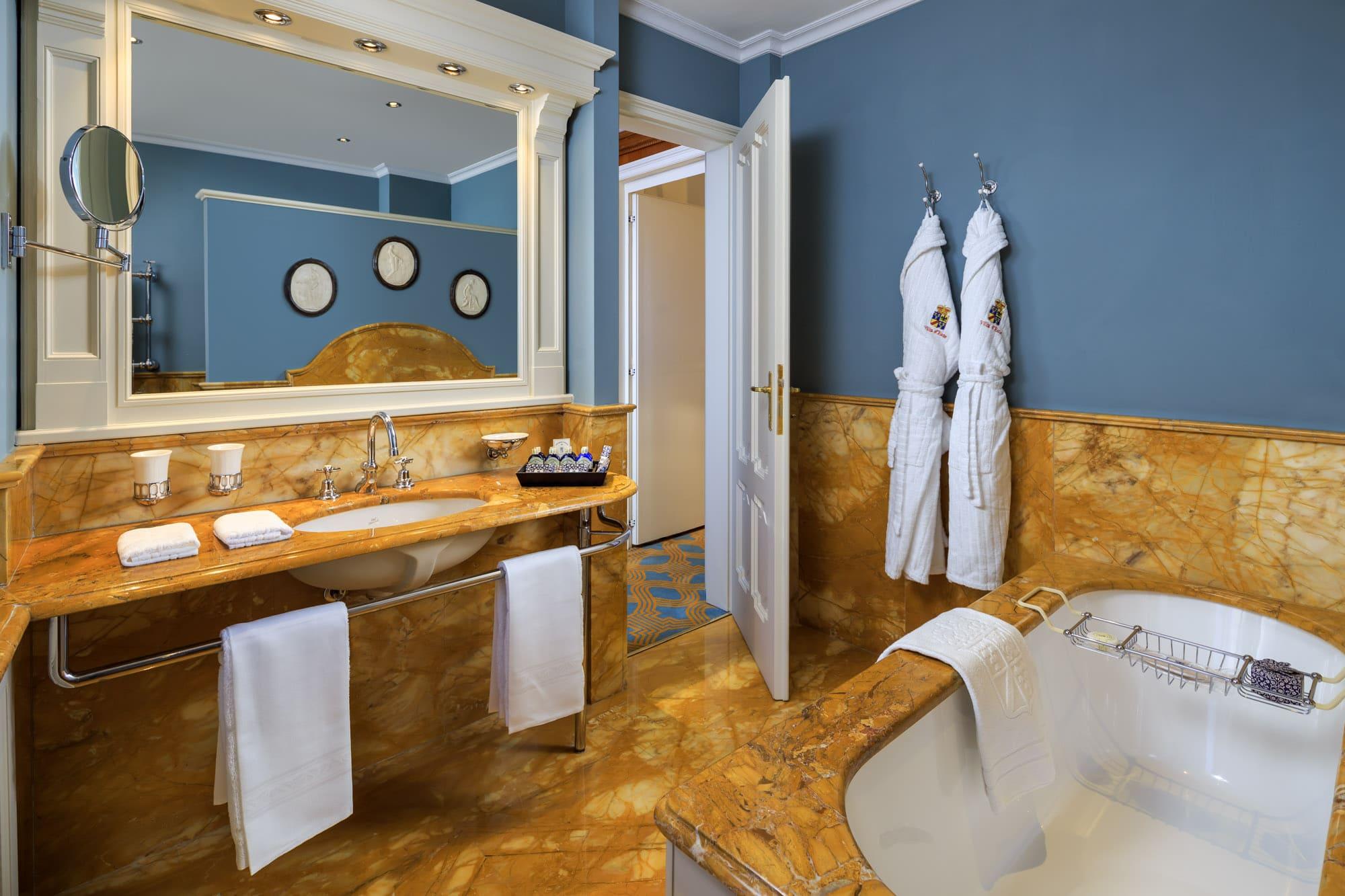 Villa Malakoff Bathroom (3)